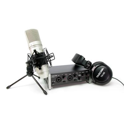 Tascam TrackPack 2X2 Scheda Audio con Cuffie e Microfono