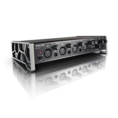 Tascam TrackPack 4X4 Kit scheda audio, cuffie e microfono